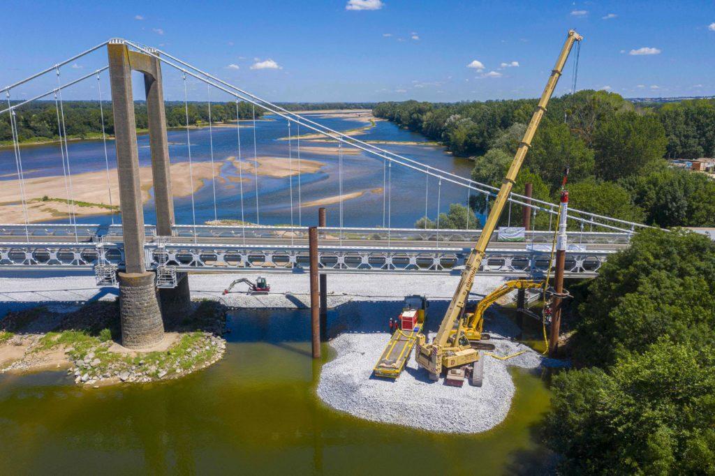 sécurisation du pont de Varades par l'entreprise Charier
